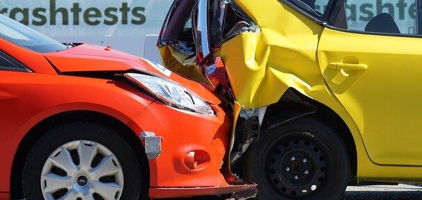 Ubezpieczenia samochodowe - poradnik