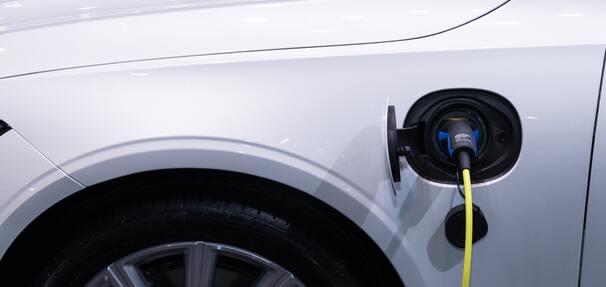 Ile trzeba zapłacić za ubezpieczenie samochodu elektrycznego?
