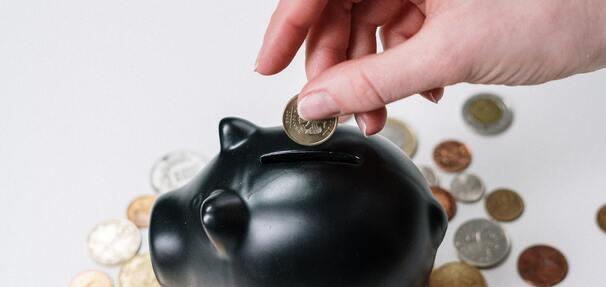 Obligacje skarbowe wypierają lokaty. Tylko we wrześniu Polacy kupili papiery o łącznej wartości 2,2 mld zł