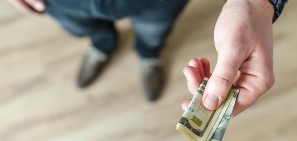Raty ponad jednej czwartej kredytów konsumpcyjnych zbyt wysokie wobec zarobków