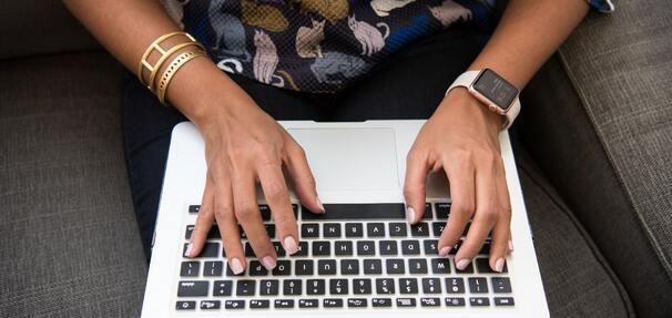 Bezpieczne płatności w sieci, czyli #Lepiejzdomu, ale z głową
