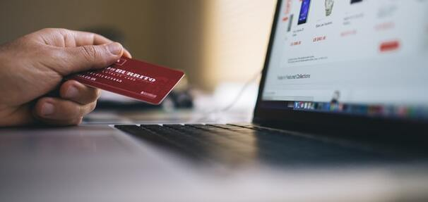 Okres bezodsetkowy w karcie kredytowej