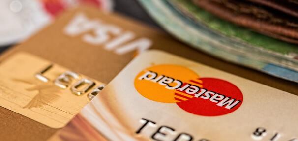 NBP sprawdził, jak w tym roku drożały produkty i usługi bankowe